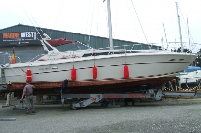 MARINE WEST Locmiquélic : manutention d\'un Sea Ray 39